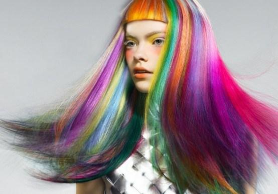メッシュで個性的な髪色を手に入れよ!《ヘアカラーカタログ》