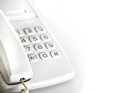 0800から始まる電話番号は誰から? 080なのに携帯 …